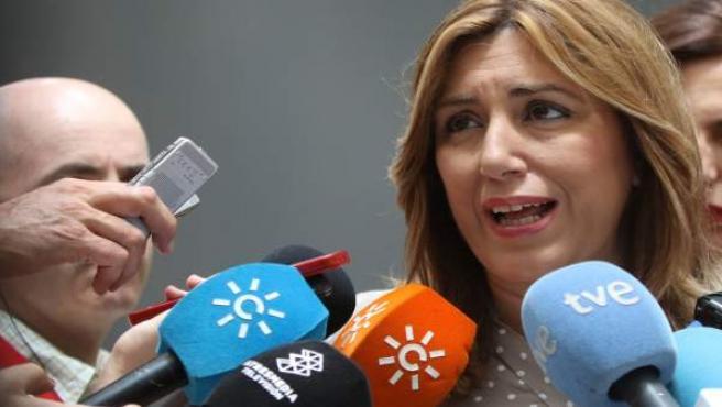 Susana Díaz atiende a los medios en el Palacio de San Telmo