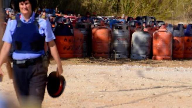 Más de 100 bombonas de butano almacenadas en la casa de Alcanar que iban a ser usadas para atentar en Barcelona.