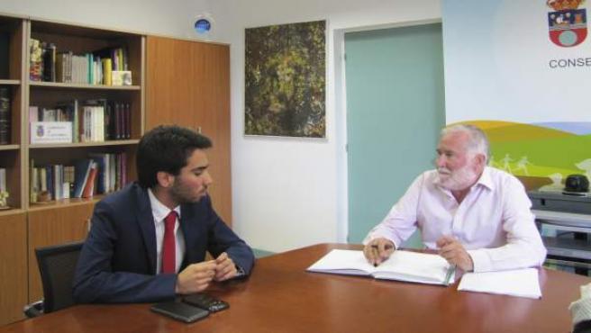 Ruiz se reúne con presidente de la Unión de Estudiantes de Cantabria