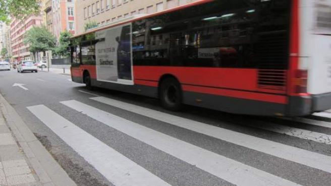 Autobús a su paso por paseo de Sagasta