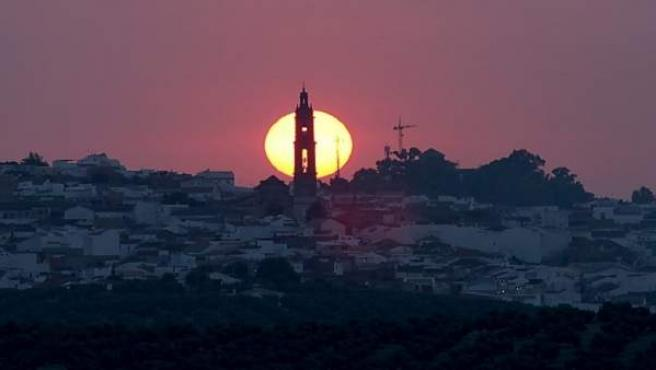 Estduio de la US identifica iglesias españolas alineadas con la salida del sol