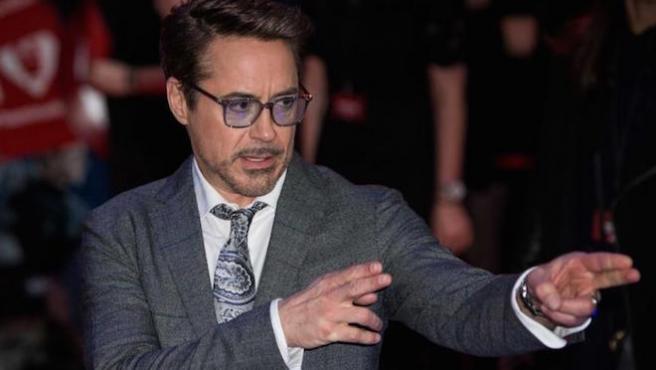 Robert Downey Jr. alerta contra estafadores que se hacen pasar por él