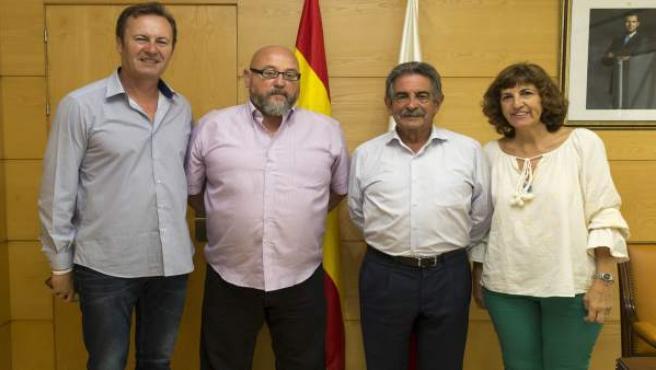 Revilla se reúne con el presidente de la Casa de Cantabria en Las Palmas