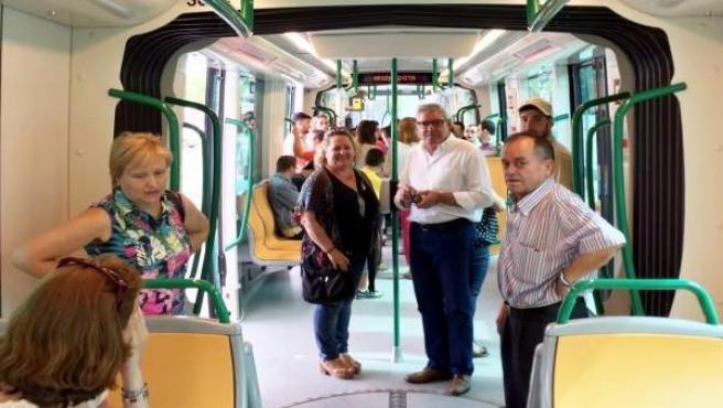 El metro, en la avenida de la Argentinita