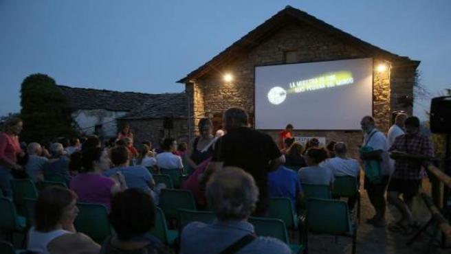 Muesta de Cine más pequeño del Mundo, en Ascaso Huesca