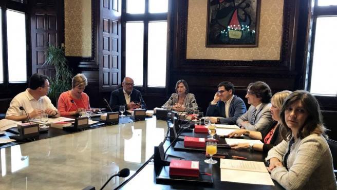 La presidenta del Parlament de Cataluña, Carme Forcadell, preside la reunión de la Mesa.