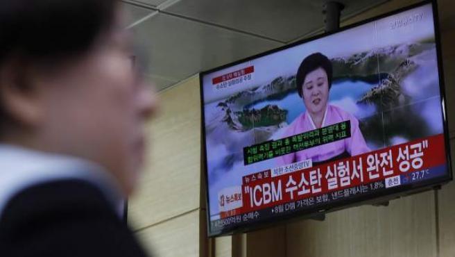 La locutora Ri Chun-hee, la encargada de dar las noticias más importantes para el régimen, informando sobre el nuevo ensayo de Corea del Norte con una bomba de hidrógeno.