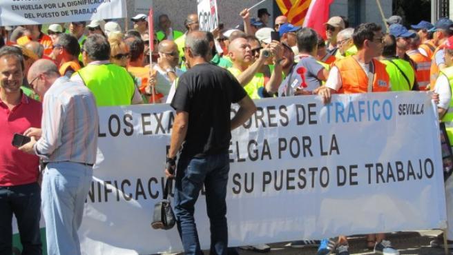 Imagen de archivo de la huelga de examinadores de tráfico de 2017.