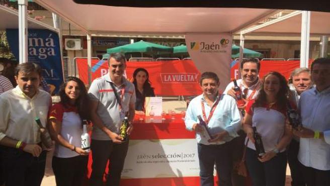 Los aceites 'Jaén Selección' se promocionan en la Vuelta Ciclista a España