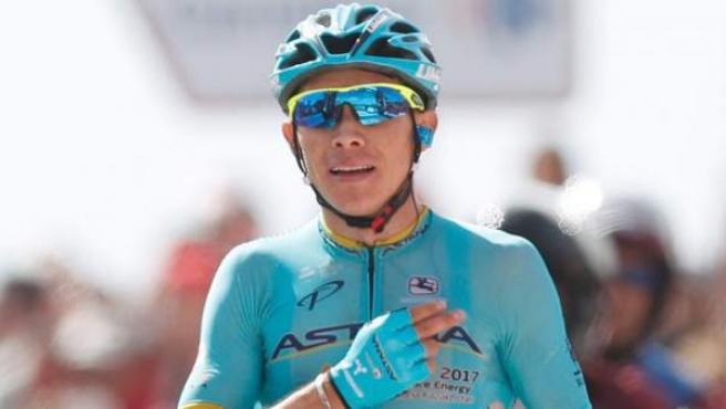 El colombiano Miguel Ángel López (Astana) se impone vencedor de la decimoquinta etapa de la Vuelta Ciclista a España con salida en la localidad sevillana de Alcalá la Real y meta en la granadina Sierra Nevada, en el Alto Hoya de la Mora (Monachil).