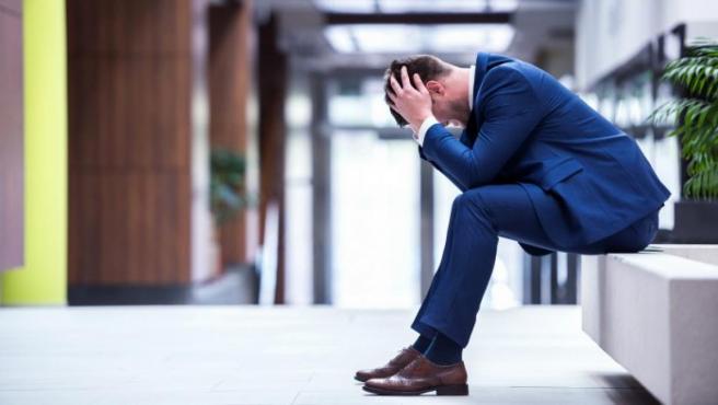 Tras unas vacaciones largas, se puede sufrir estrés y ansiedad al volver al trabajo.