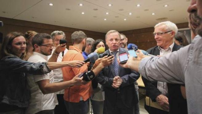 Moragues atén els mitjans després de la Junta de Seguretat
