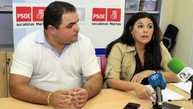 Ángeles Férriz, junto a Víctor Torres, en la rueda de prensa.