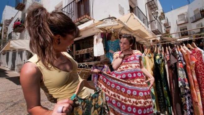 Puja la despesa dels turistes estrangers