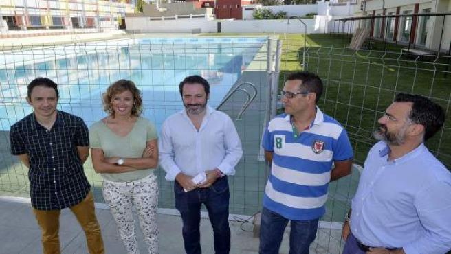 Carmona y Galán en la piscina de Antequera