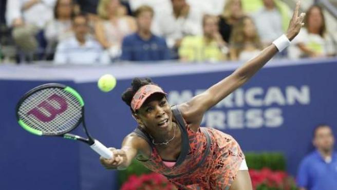 La tenista estadounidense Venus Williams, durante su partido ante la checa Petra Kvitova, en los cuartos de final del Abierto de Estados Unidos.