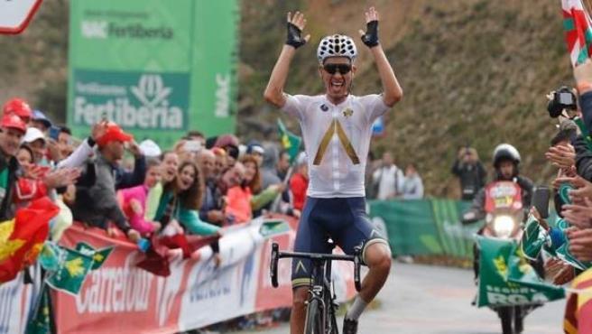 El ciclista austríaco Stefan Denifl