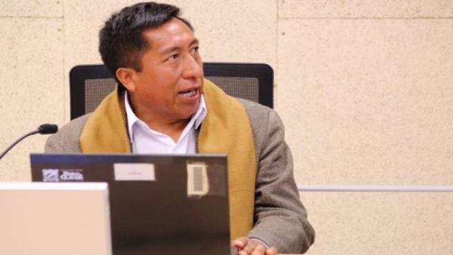 Un profesor defiende en la UPO la primera tesis en aymara