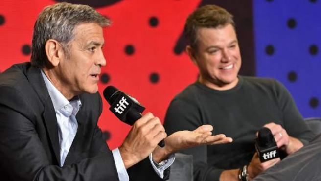 George Clooney y Matt Damon, durante la rueda de prensa de la película 'Suburbicon'