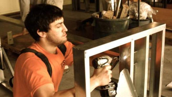 Un trabajador autónomo en plena labor.