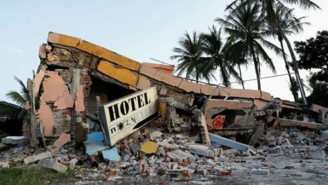 Un hotel completamente destruido en el municipio de Juchitán, Oaxaca (México), uno de los lugares más afectados por el terremoto de magnitud 8,2.