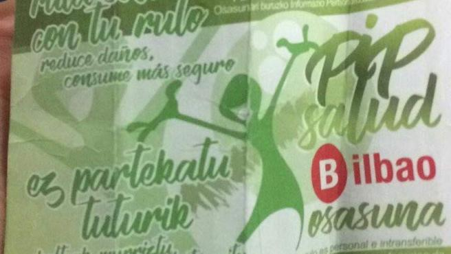 Tarjetas que se reparten en el Punto de Información Personalizada puesto en marcha por el Ayuntamiento de Bilbao.
