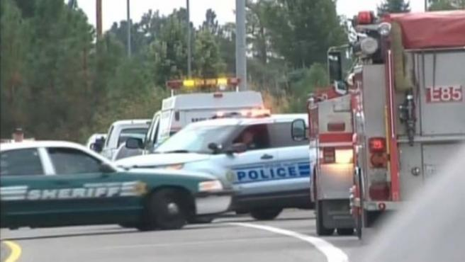 Imagen que muestra el despliegue policial fuera de un instituto en Rockford (EE UU), en el que hubo un tiroteo.