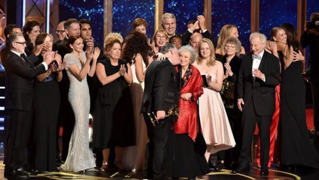 'The Handmaid's Tale' se corona en la noche de los Emmy