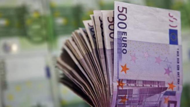 Un fajo de billetes de 500 euros.