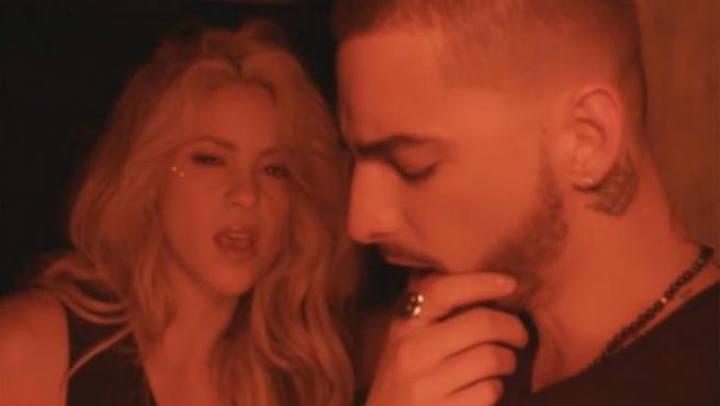 Shakira y Maluma en el videoclip de 'Chantaje'.