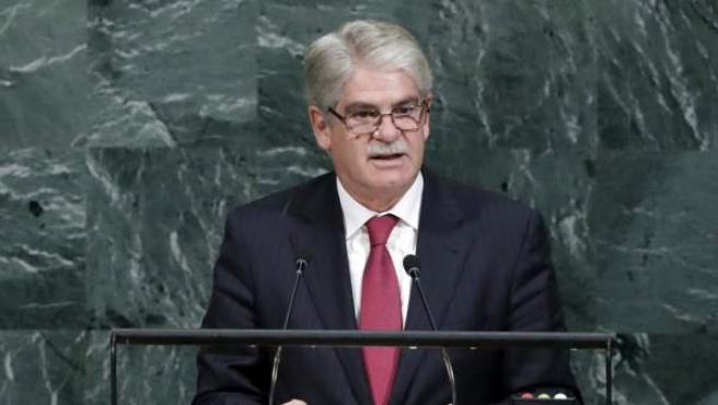 El ministro español de Asuntos Exteriores, Alfonso Dastis (c), habla durante el debate de alto nivel de la 72 Asamblea General de Naciones Unidas.