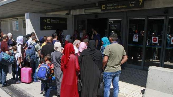 Un grupo de refugiados sirios, a su llegada a España.