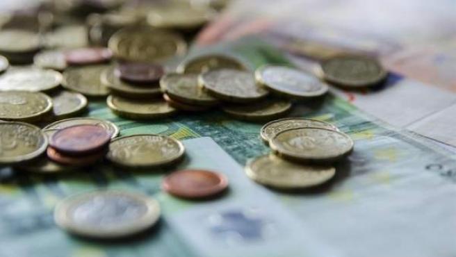 Monedas, euros, billetes, dinero
