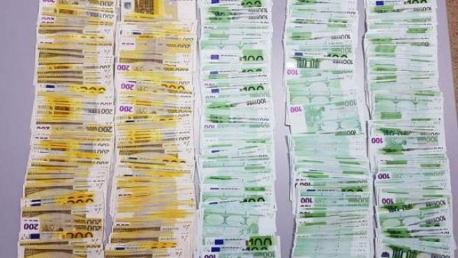 Dinero intervenido en la aduana de la Farga de Moles