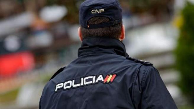 Un agente de Policía Nacional.