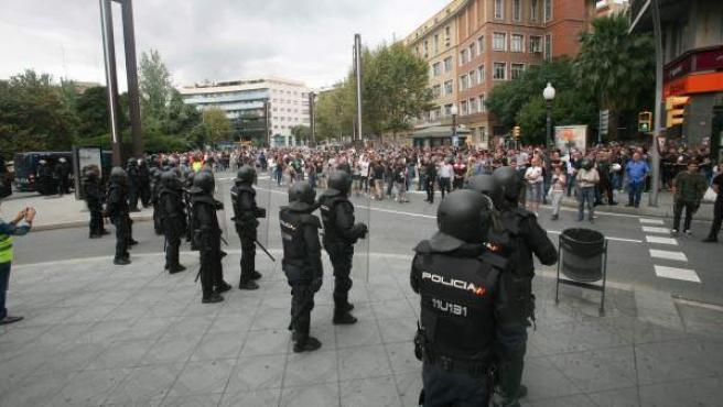 Agentes de la policía nacional, en una imagen del día 1 de octubre en Tarragona.