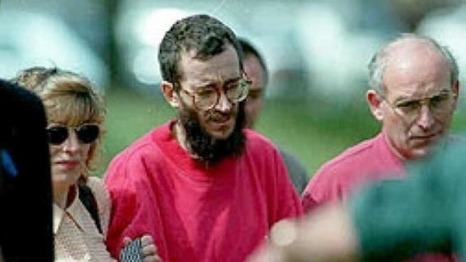 En enero de 1996, ETA secuestra al funcionario de prisiones José Antonio Ortega Lara. 532 días después, la Guardia Civil lo localizaba en un zulo en Mondragón. Era el 1 de julio de 1997 y Ortega Lara había perdido 23 kilos.