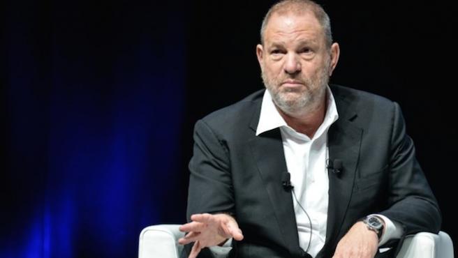 Acusan al productor Harvey Weinstein de décadas de abusos sexuales