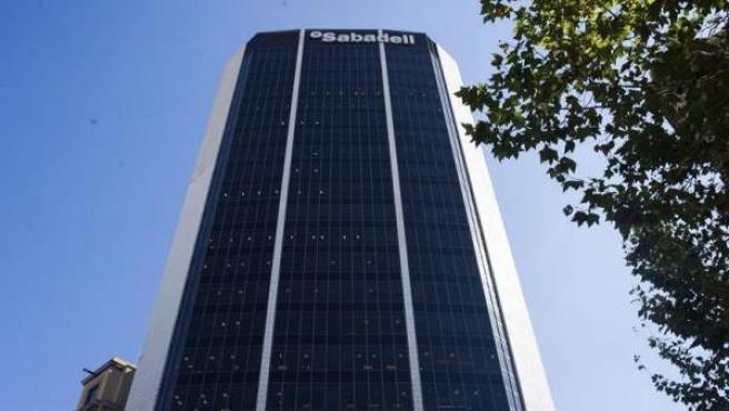 Edificio corporativo del Banco Sabadell en Barcelona.