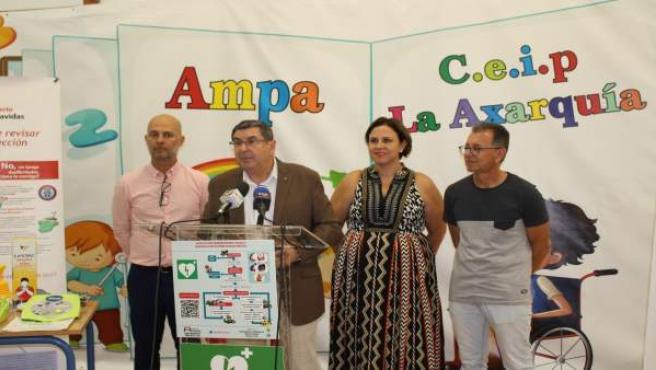 Np: Vélez Málaga, Primer Municipio De España En Instalar Desfibriladores En Sus