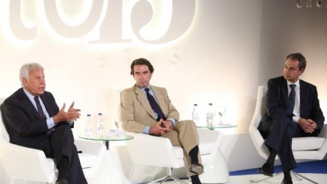 Felipe González, José María Aznar y José Luis Rodríguez Zapatero durante un acto público.