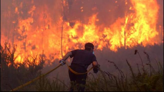 Imagen de archivo de un incendio forestal.