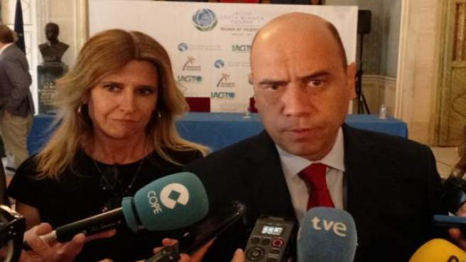 Echávarri habla a los medios este lunes ante Eva Montesinos
