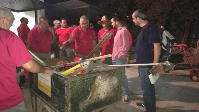 Rojas aborda con la plantilla la situación de los parques de Sevilla