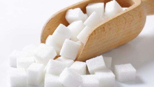 El consumo hiperactivo de azúcar de las células cancerosas lleva a un círculo vicioso de estimulación continua del desarrollo y crecimiento del cáncer.