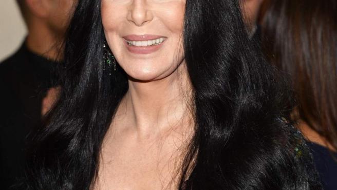 Fotografía de archivo del 4 de mayo de 2015 de la cantante estadounidense Cher a su llegada a la gala benéfica del Metropolitan Museum de Nueva York.