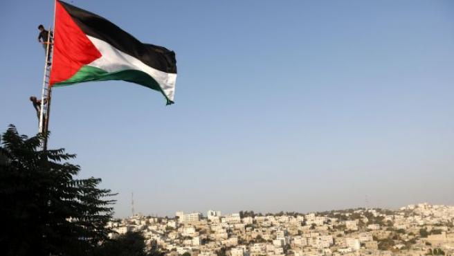 Vista de una bandera palestina durante una manifestación de este viernes en Hebrón.