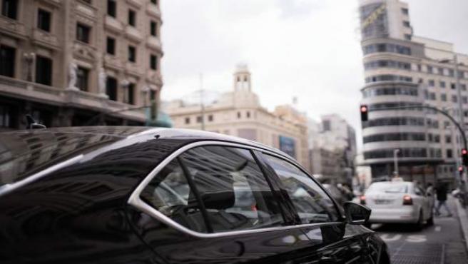 Vehículo de Uber en el centro de Madrid.