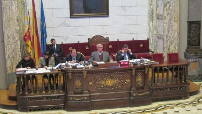 Joan Ribó presidinit el ple de l'Ajuntament