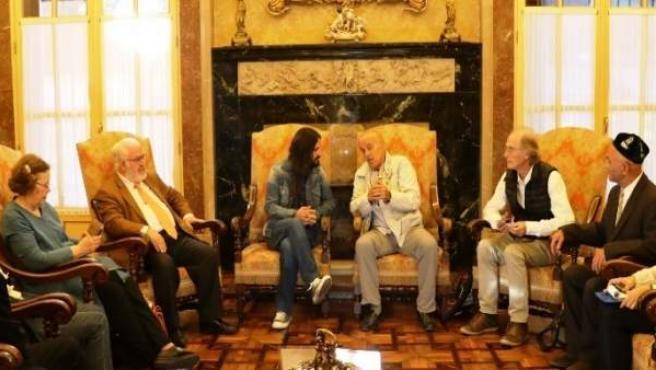 Picornell con representantes de Amnistía Internacional